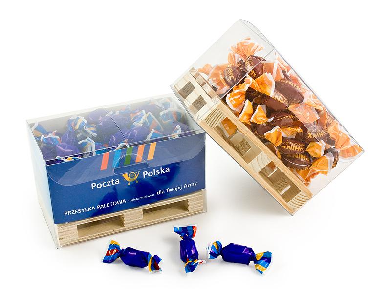 Reklamní krabička s bonbónky na paletce