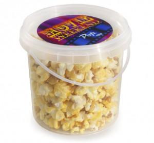 Sladký popcorn v reklamním kyblíčku