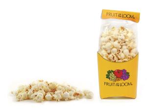 Popcorn v reklamním sáčku a krabičce