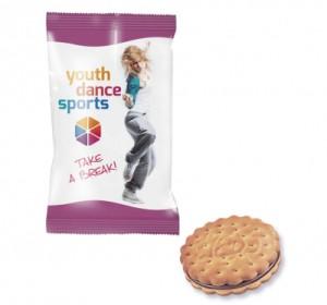Sušenka Prince v reklamním obalu