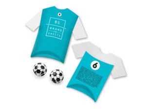 Čokoládové míčky v papírové krabičce ve tvaru trička