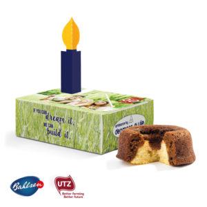 Mini koláč v boxu s reklamní etiketou