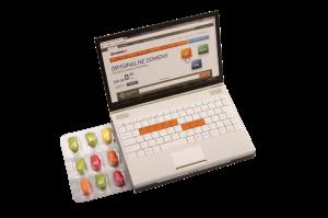 Bonbónky v blistru ve tvaru notebooku