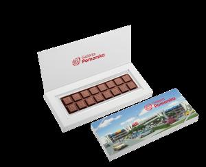 Čokoládová tabulka s písmeny v reklamní krabičce – 2 řádky