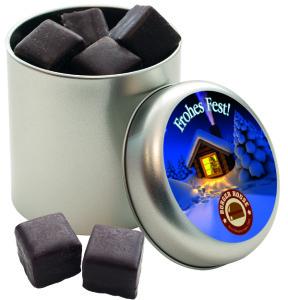 Perníkové kostky polité čokoládou v plechové dóze