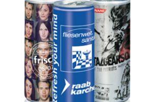 Isotonický nápoj v reklamní plechovce