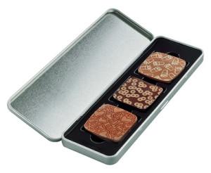 3 krásné plněné čokoládky v reklamní plechové krabičce s digitálním potiskem nebo gravírováním